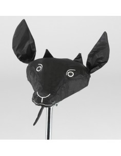Chèvre noire pour la selle
